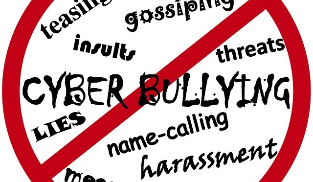 how to avoid being cyberbullied